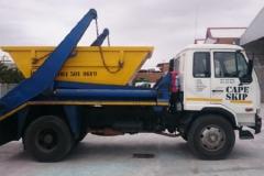 truck-and-6m3-skip-bin-e1463404716261